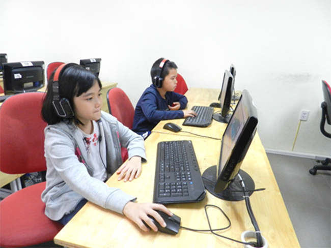 Thi IOE cap truong 14 Học sinh trường Tiểu học Hanoi Academy quyết tâm đạt điểm cao trong kì thi Olympic Tiếng Anh trên Internet cấp trường năm học 2016-2017