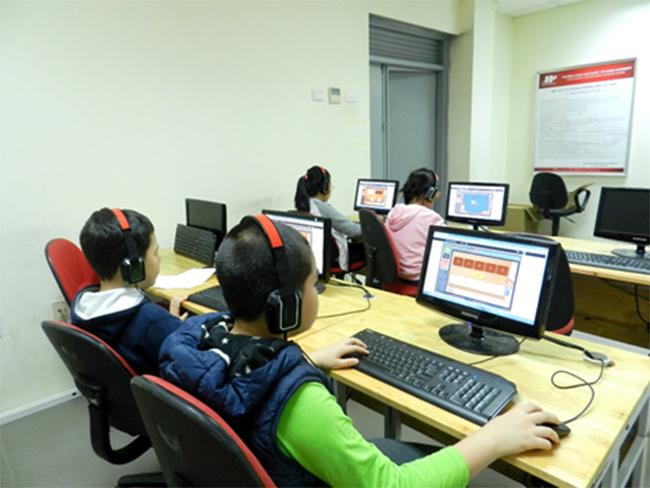 Thi IOE cap truong 3 Học sinh trường Tiểu học Hanoi Academy quyết tâm đạt điểm cao trong kì thi Olympic Tiếng Anh trên Internet cấp trường năm học 2016-2017