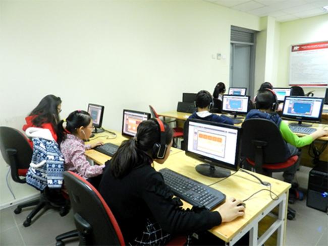 Thi IOE cap truong 4 Học sinh trường Tiểu học Hanoi Academy quyết tâm đạt điểm cao trong kì thi Olympic Tiếng Anh trên Internet cấp trường năm học 2016-2017