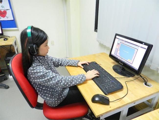 Thi IOE cap truong 6 Học sinh trường Tiểu học Hanoi Academy quyết tâm đạt điểm cao trong kì thi Olympic Tiếng Anh trên Internet cấp trường năm học 2016-2017