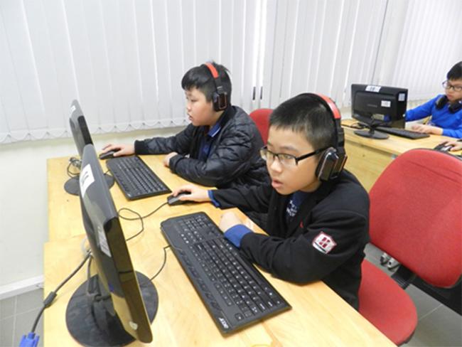Thi IOE cap truong 8 Học sinh trường Tiểu học Hanoi Academy quyết tâm đạt điểm cao trong kì thi Olympic Tiếng Anh trên Internet cấp trường năm học 2016-2017
