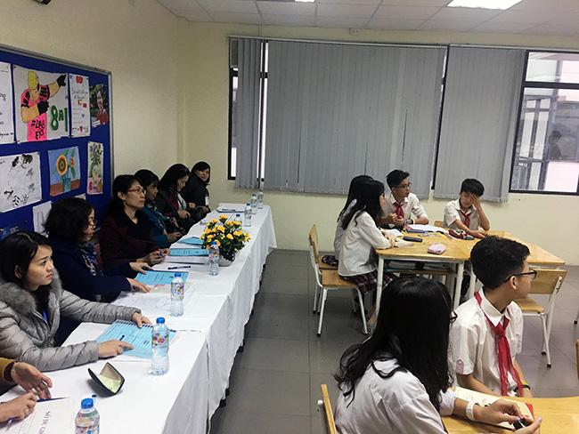 Chuc mung co Han Minh Thu 3 Chúc mừng cô Hàn Minh Thu, thầy Đỗ Quang Hưng trong hội thi giáo viên dạy giỏi cấp Quận, cấp Thành phố