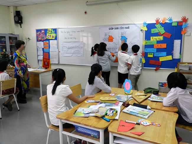 GV day gioi TH 7 Giáo viên Tiểu học hưởng ứng Hội thi giáo viên dạy giỏi cấp Quận năm học 2016 – 2017