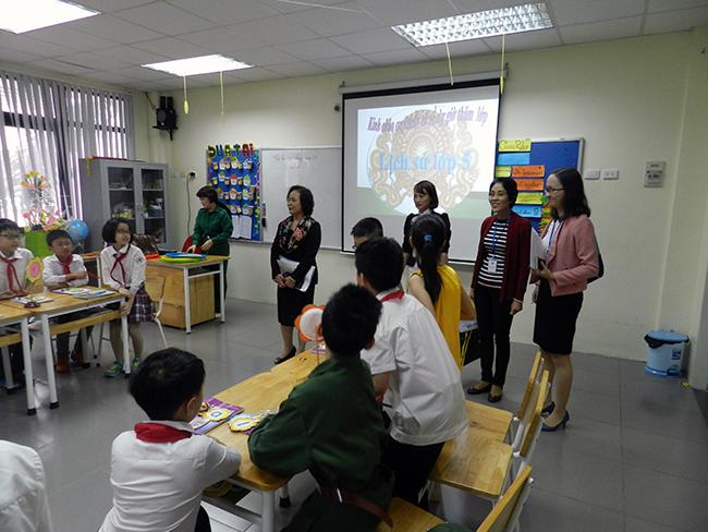 GV day gioi TH 9 Giáo viên Tiểu học hưởng ứng Hội thi giáo viên dạy giỏi cấp Quận năm học 2016 – 2017