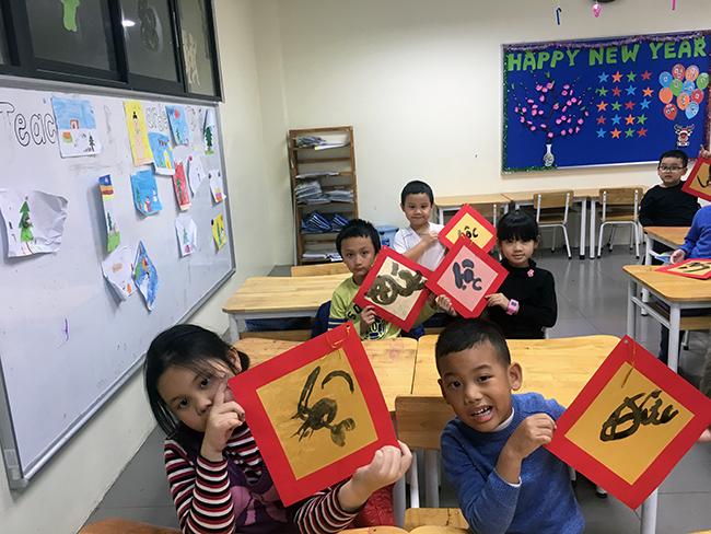 """22 Những """"Ông đồ nhí"""" đến từ Hanoi Academy"""
