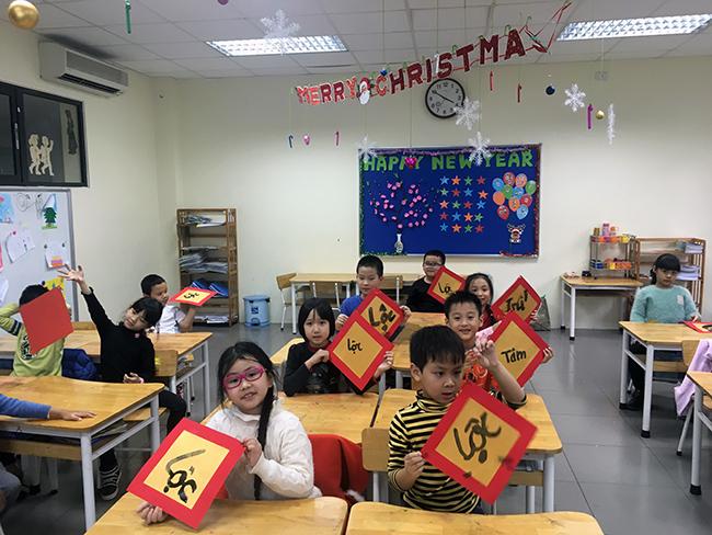 """23 Những """"Ông đồ nhí"""" đến từ Hanoi Academy"""