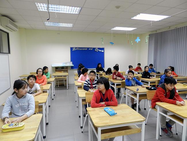 """IMAS 2 Học sinh Tiểu học trải nghiệm kì thi """"Đánh giá năng lực tư duy toán học Quốc tế – IMAS"""""""