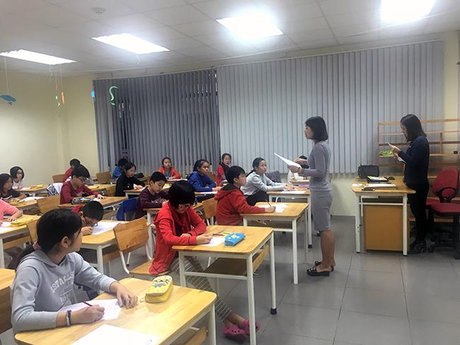 """IMAS 7 Học sinh Tiểu học trải nghiệm kì thi """"Đánh giá năng lực tư duy toán học Quốc tế – IMAS"""""""