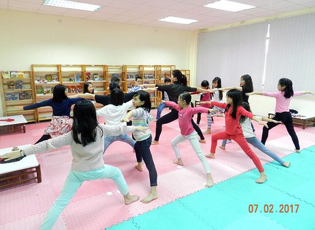 Yoga CLB năng khiếu trong giờ chính khóa