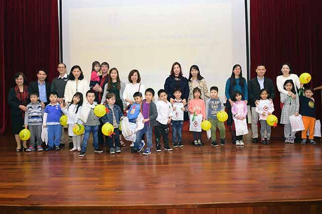 Cung con toi truong 10 Bố mẹ ơi, cùng con tới trường Hanoi Academy nhé!