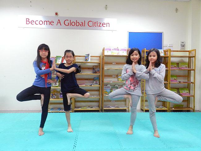 yoga5 Cùng khám phá giờ học Yoga đầy thú vị