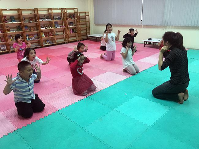 yoga8 Cùng khám phá giờ học Yoga đầy thú vị