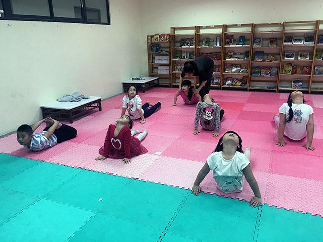 Rắn hổ mang3 Cùng khám phá giờ học Yoga đầy thú vị