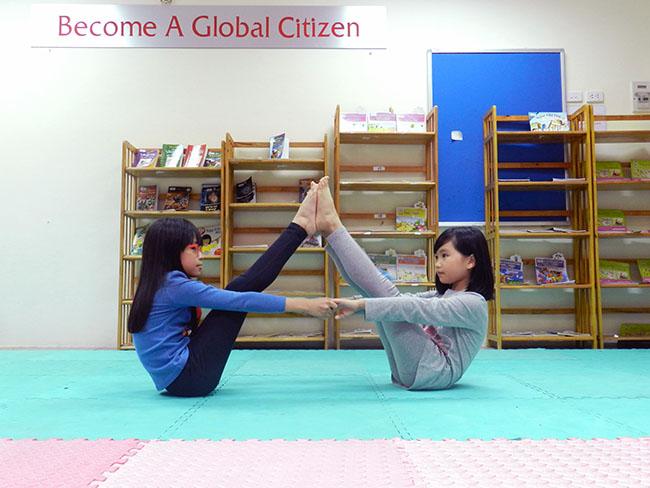 yoga 1 Cùng khám phá giờ học Yoga đầy thú vị
