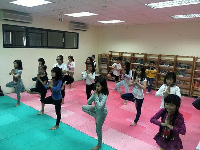 Cai cay 1 Cùng khám phá giờ học Yoga đầy thú vị