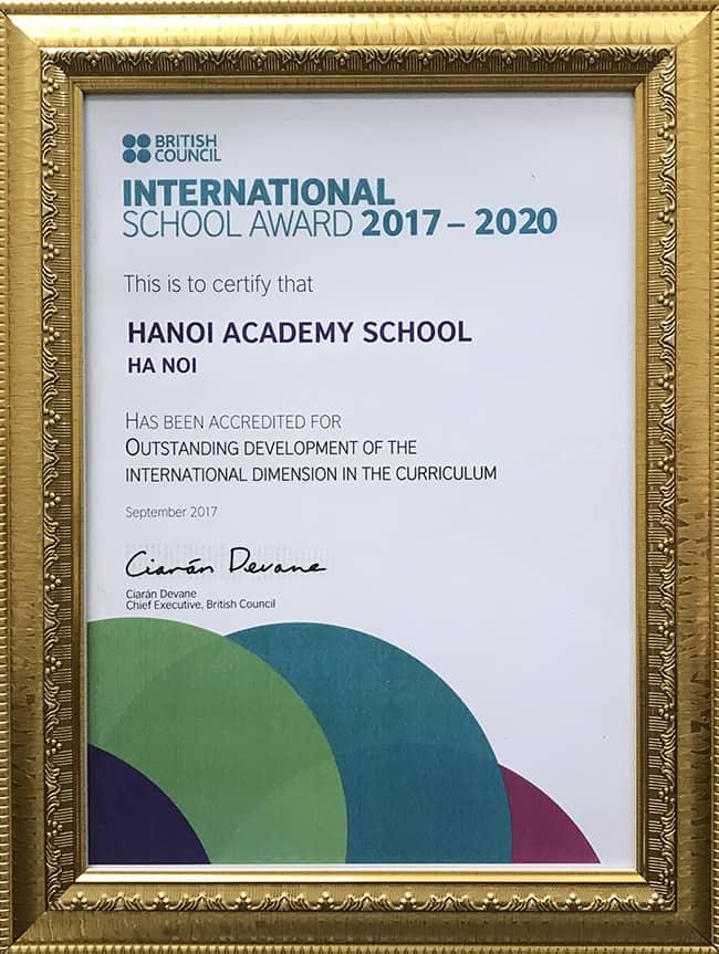Hanoi Academy nhận Danh hiệu trường học hợp tác quốc tế tích cực