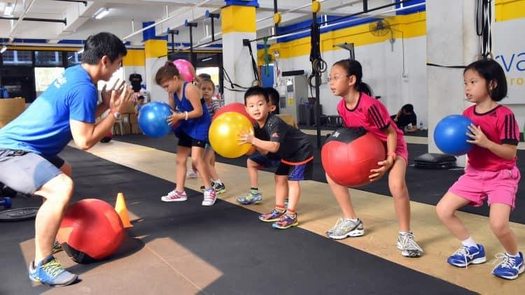 phat-trien-the-chat-cho-tre-4-tuoi Phát triển thể chất cho trẻ 4 tuổi như thế nào là tốt?