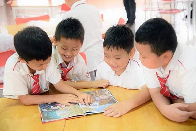 """Khai giảng khóa học """"Hành trang vào lớp 1"""" Hanoi Academy dành cho những chú rồng vàng 2012"""