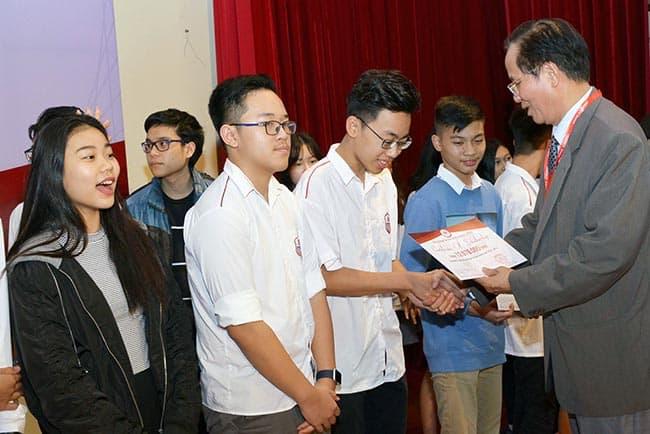 Lễ trao học bổng: Tri ân đồng hành cùng phát triển