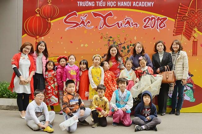 Phụ huynh nước ngoài đón Tết cùng Hanoi Academy
