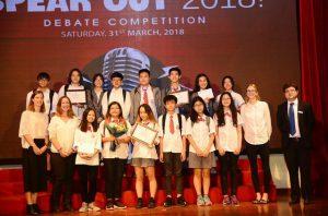 Gay cấn vòng chung kết cuộc thi hùng biện tiếng Anh cho các học sinh trung học tại Hà Nội