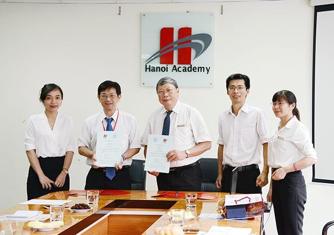Hanoi Academy kí kết biên bản hợp tác về giáo dục với Đại học Phụ Anh (Đài Loan) Hanoi Academy kí kết biên bản hợp tác về giáo dục với Đại học Phụ Anh (Đài Loan)