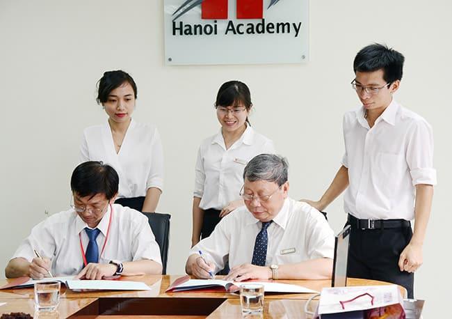 Hanoi Academy kí kết biên bản hợp tác về giáo dục với Đại học Phụ Anh (Đài Loan)