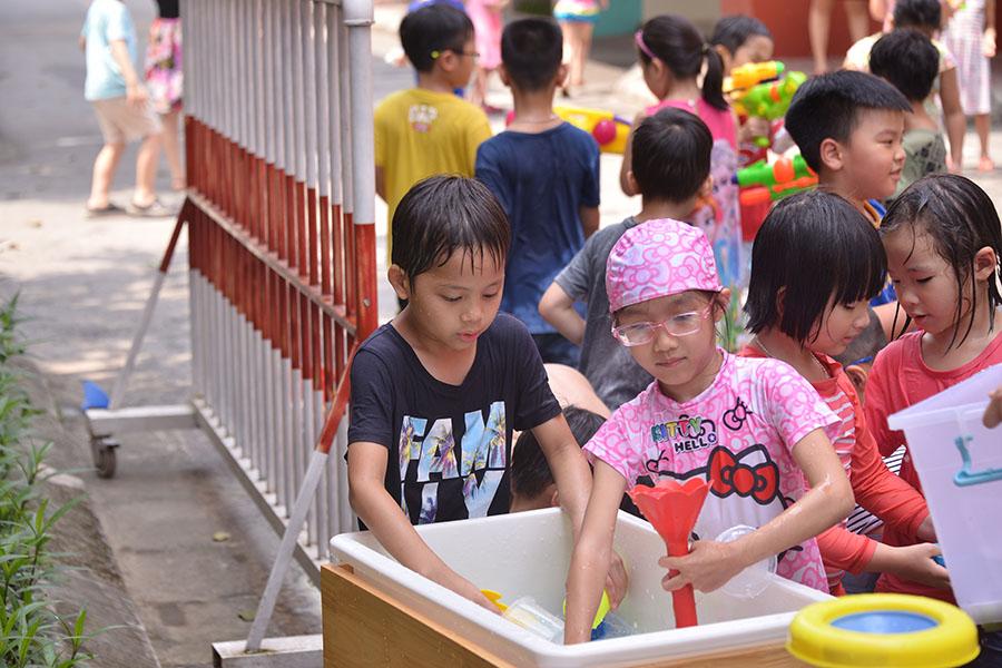 Lễ hội té nước – lễ hội độc đáo của trường Tiểu học Hanoi Academy