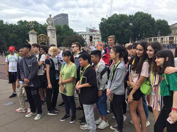 lợi ích khi con học trường quốc tế 5 5 lợi ích khi cho con học trường quốc tế Hanoi Academy