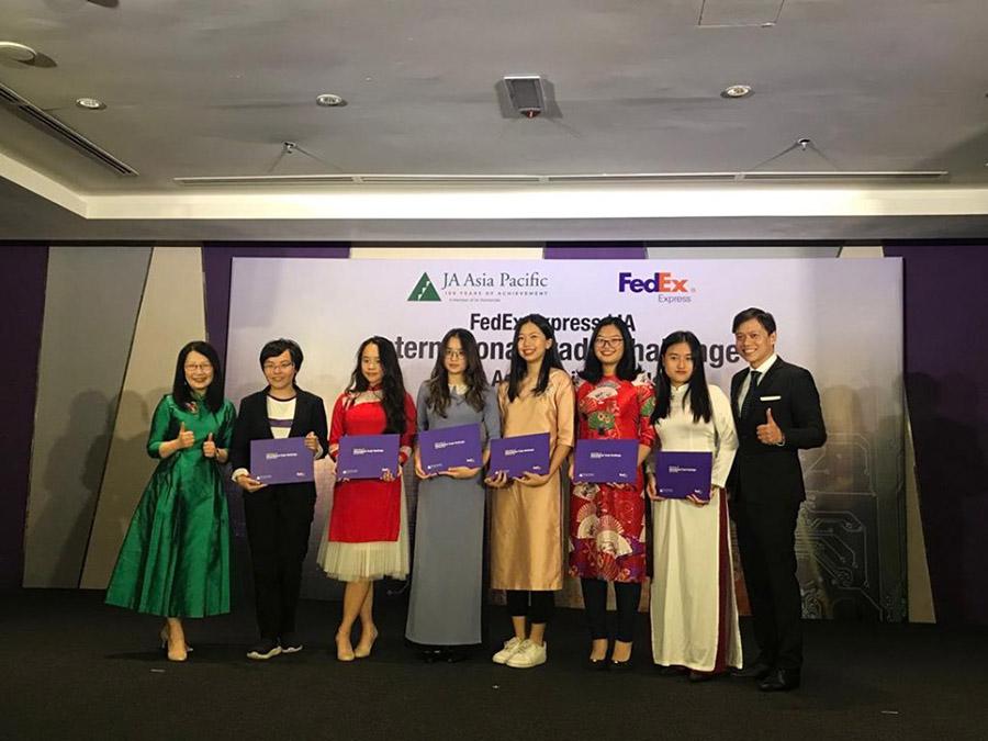 Chúc mừng học sinh Hoàng Diệu Trang đạt giải Nhì chung kết cuộc thi FEDEX EXPRESS/ JA ITC ASIA PACIFIC FINALS