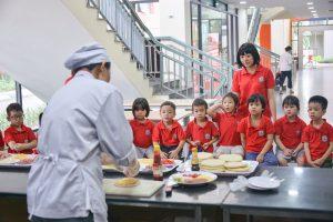 """Khám phá giờ học trải nghiệm """"Làm bánh Pizza"""" của các bạn nhỏ khối mẫu giáo lớn trường mầm non Hanoi Academy"""