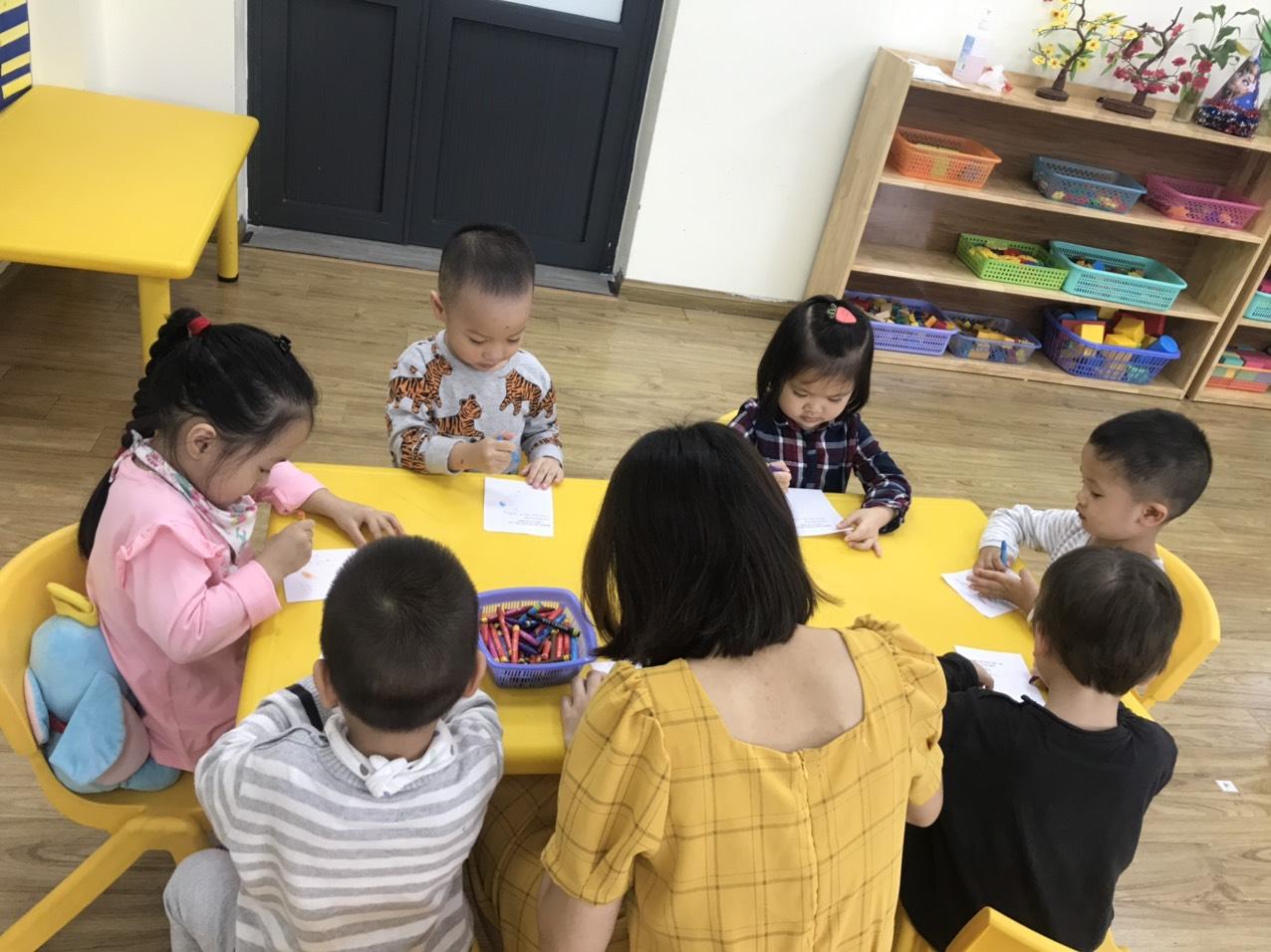 Hoạt động trồng rau sạch của các bạn nhỏ mẫu giáo bé khối Mầm non