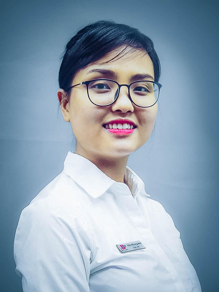 Cô Trần Nhung Anh