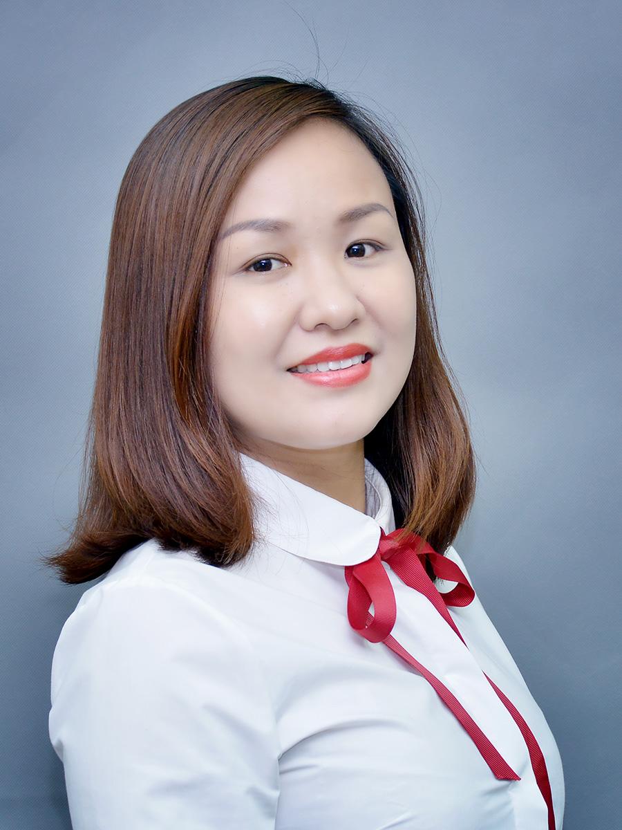 Cô Nguyễn Phương Oanh