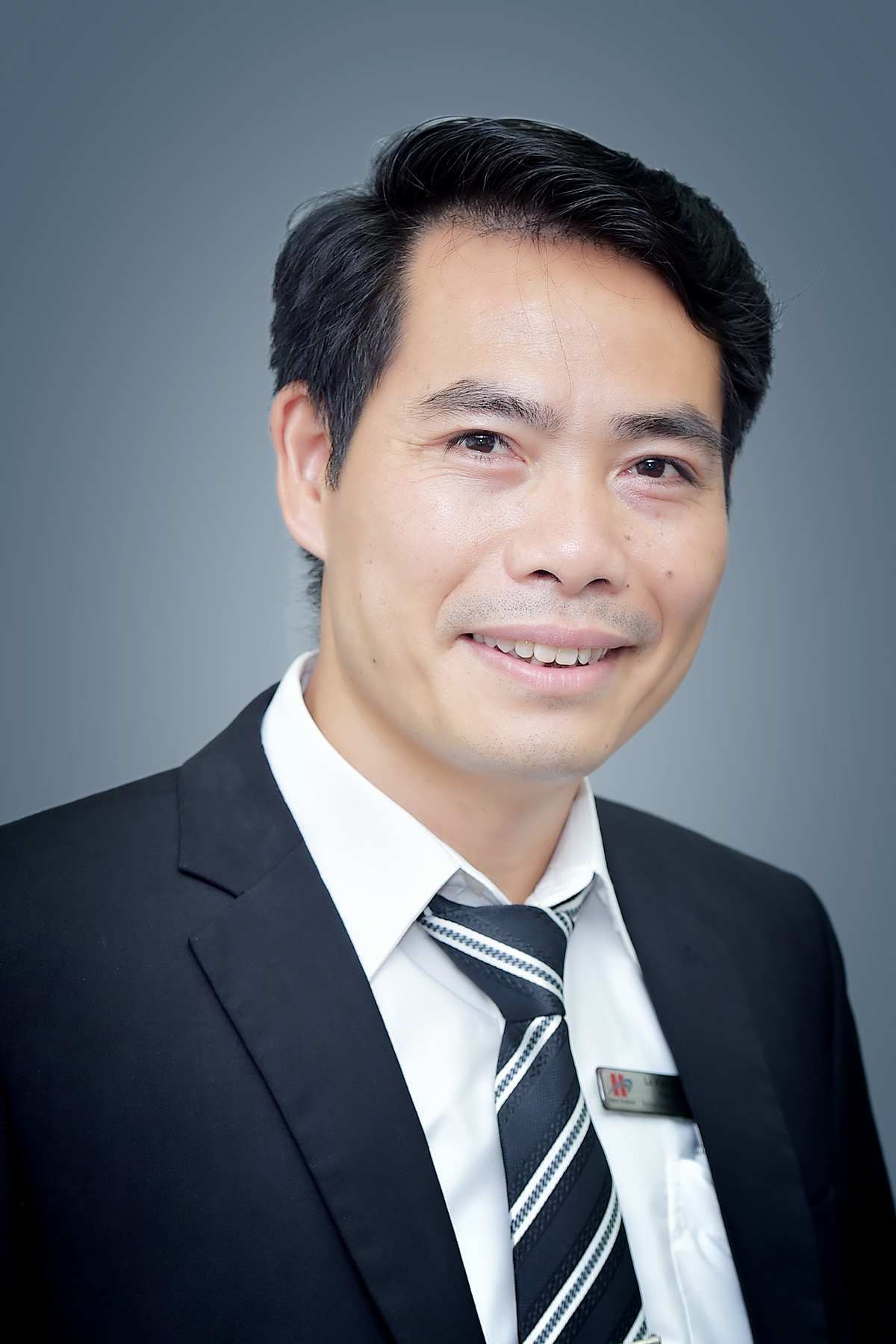 Mr Van Khiem Le