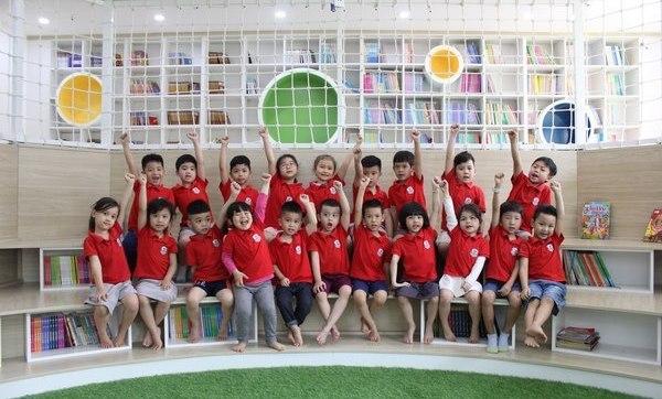 Hành trang cho bé vào lớp 1 – bí quyết giúp con thành công ngay từ điểm khởi đầu Trang chủ