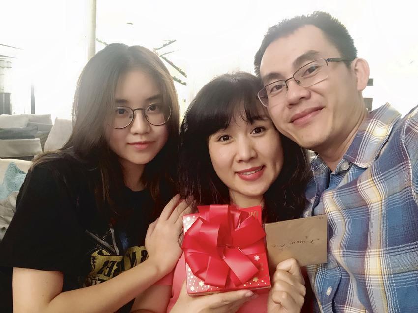Gặp gỡ nữ sinh Hanoi Academy liên tiếp 5 năm được trao học bổng tài năng