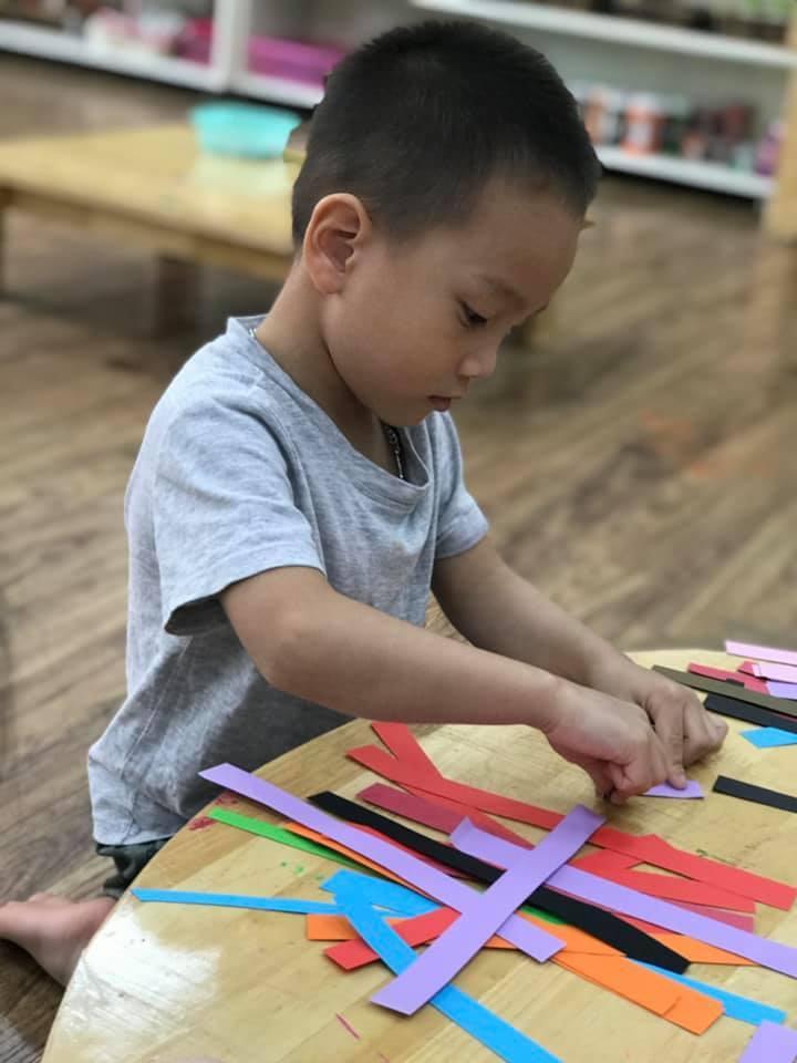 Sáng tạo từ lõi giấy vệ sinh của các bé trường Hanoi Academy
