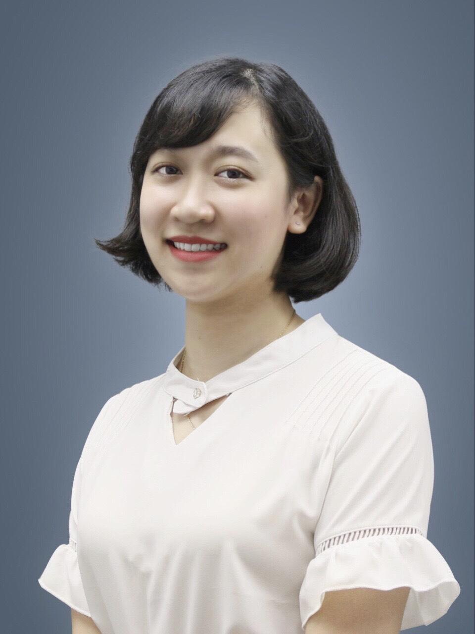 Cô Bùi Thúy Giang