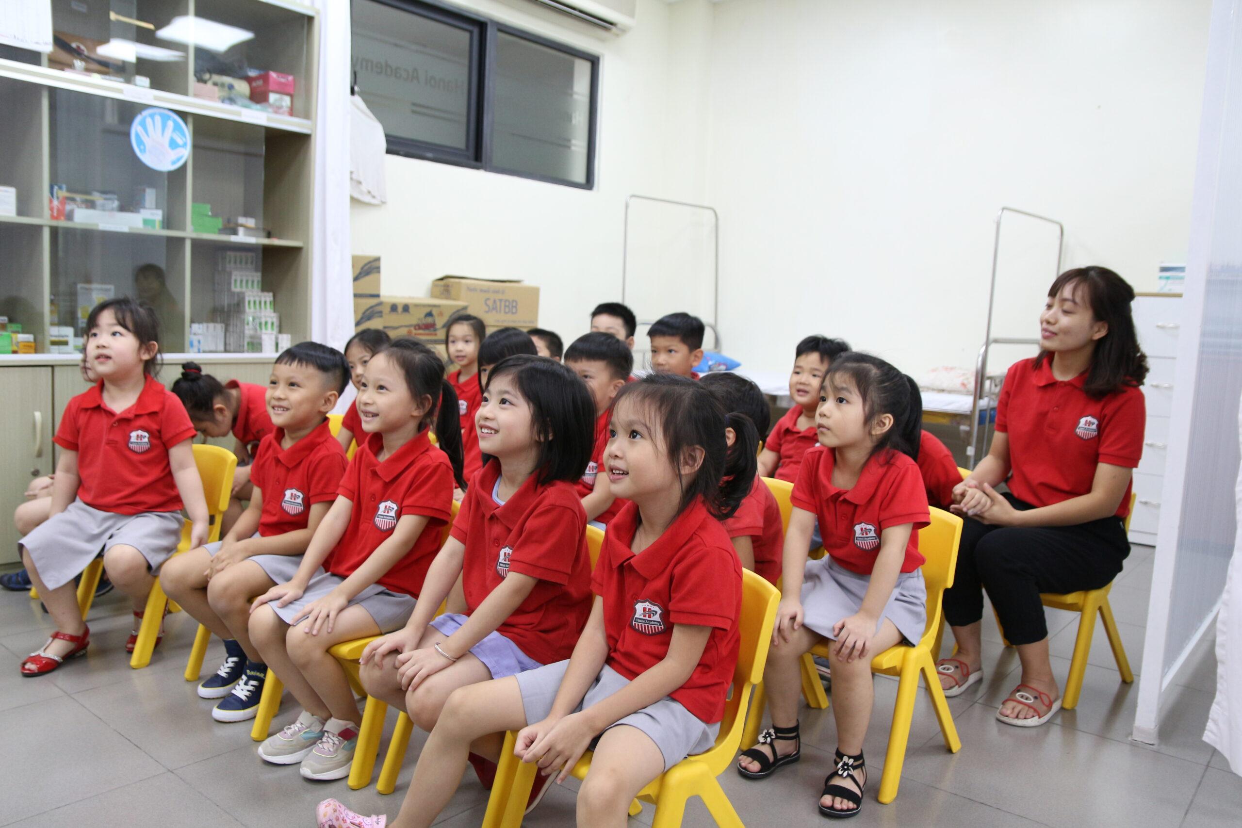 """Cùng trả lời """"Covid là gì?"""" với các học sinh Trường Mầm non Song ngữ Quốc tế Hanoi Academy Trang chủ"""