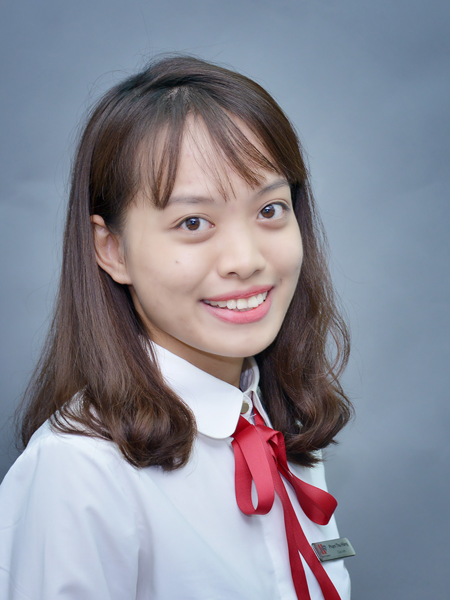 Cô Phạm Thu Hằng