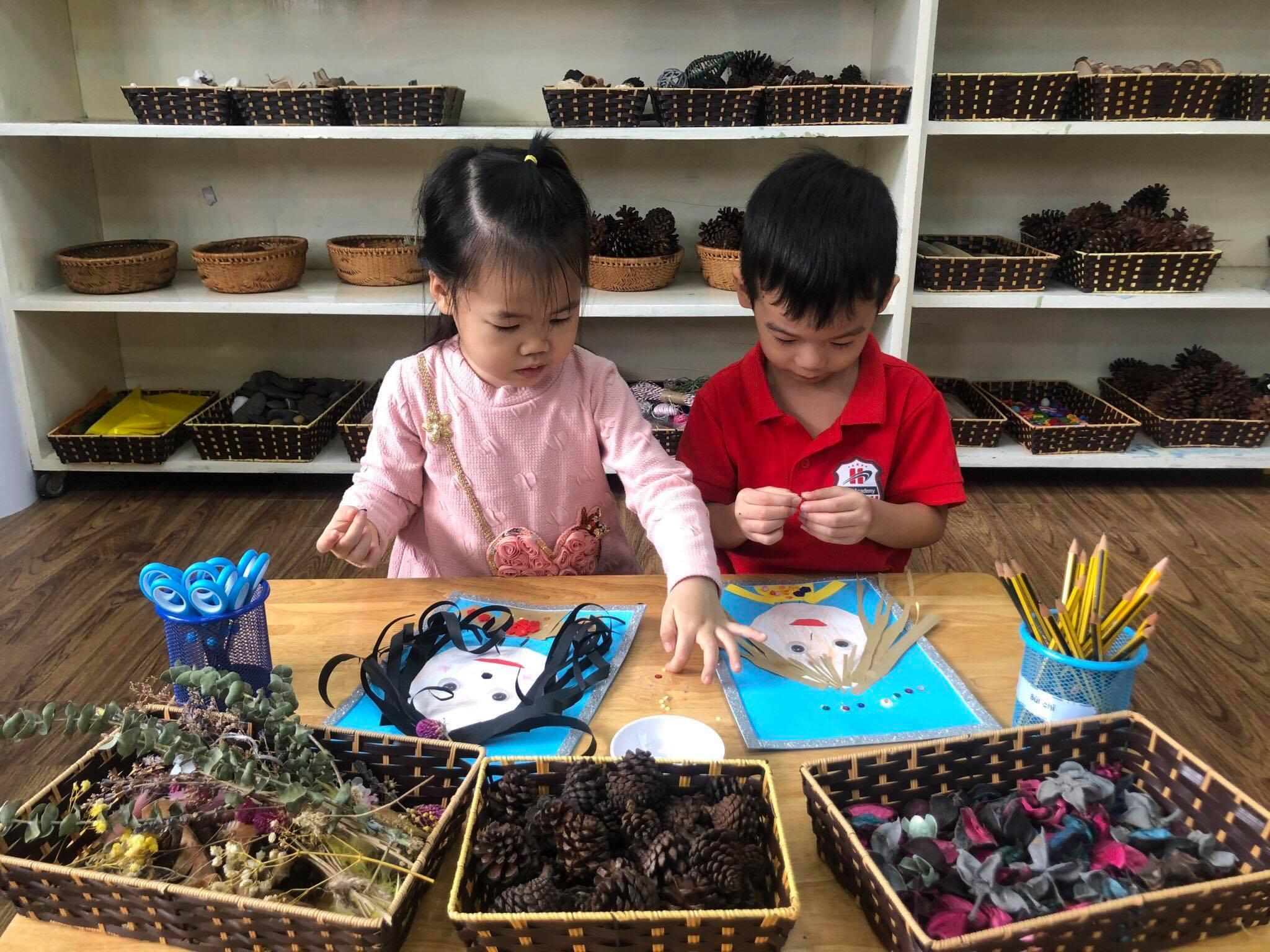 Hàng trăm ngôn ngữ của trẻ Trang chủ