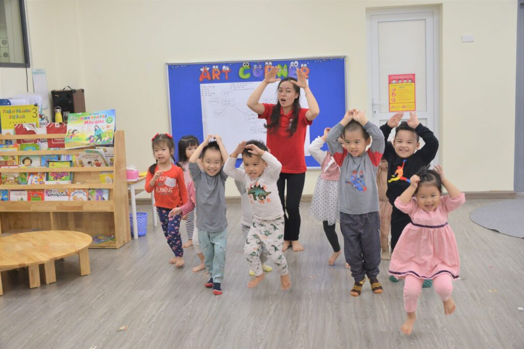 Một ngày tại Hanoi Academy của con