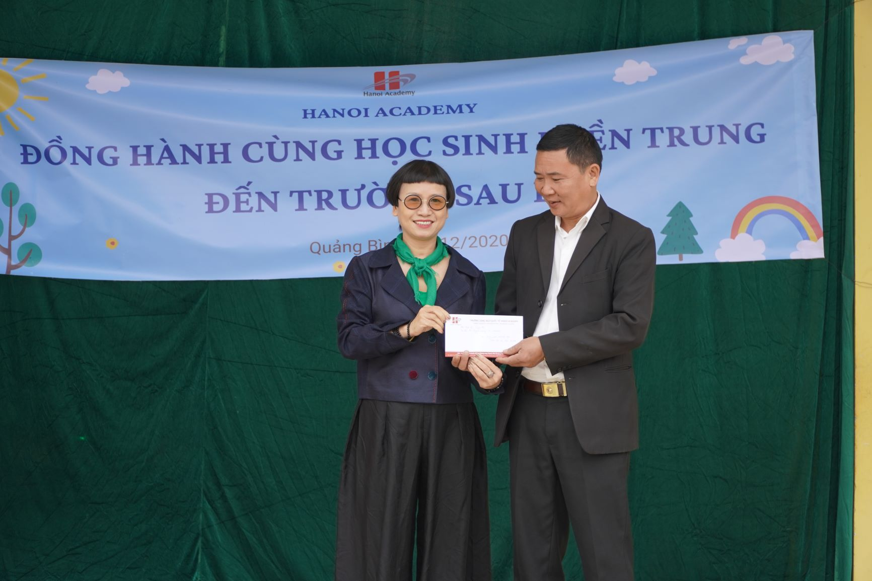 Chuyến đi từ thiện đến Quảng Bình đong đầy yêu thương của Hanoi Academy