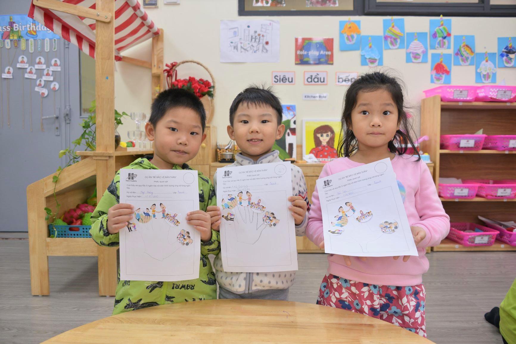 """Cùng học quy tắc: """"Năm ngón tay xinh"""" với các bạn nhỏ trường MN Hanoi Academy."""