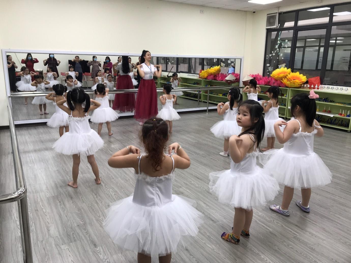 Câu lạc bộ Múa năm học 2020-2021 Trang chủ